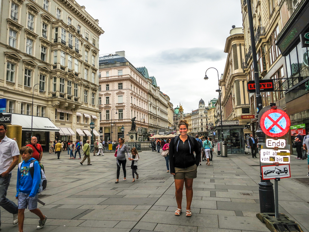 Girl in Vienna, solo traveling