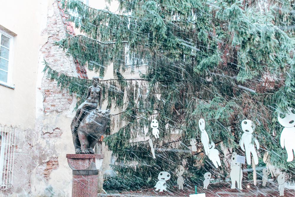 Bear statue in Vilnius