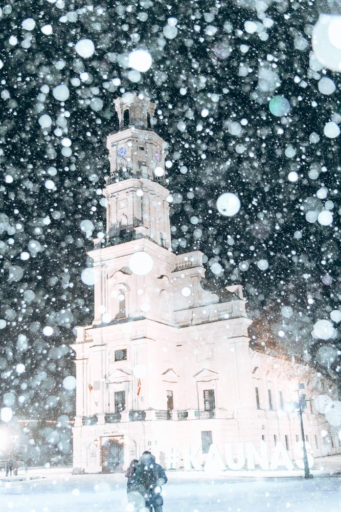Snow covered building in Kaunus